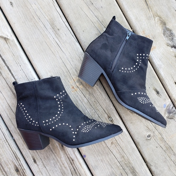 ca94333043b New Look • Studded Western Block Heel Ankle Boots NWT